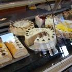 Foto zu Cafe Melange · Bäckerei Westner: Cafe Melange - Kuchentheke,29.09.18