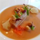 Foto zu ZweiSinn Meiers | Bistro | Fine Dining: Gemüse Papaya Erdnuss Koriander japanische Essenz
