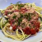 Foto zu Museumsgaststätte  im Rheinland-Pfälzischen Freilichtmuseum Bad Sobernheim: Juli 2018: Zucchinispaghetti mit Tomatensauce und Parmesan