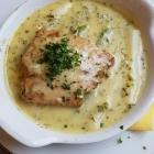 Foto zu Weingut Schilling: Lachs auf Spargel mit Kerbel - Sahne Sauce