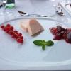 Vanilleparfait mit glacierten Pflaumen