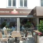 Foto zu Café Mannamia: Sonnige Terrasse