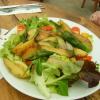 Bratkartoffelsalat mit mediterranem Gemüse
