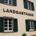 Foto zu Landgasthaus Wintringer Hof: Frontansicht Landgasthaus