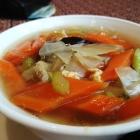 Foto zu Laai Kanok: Gemüsesuppe