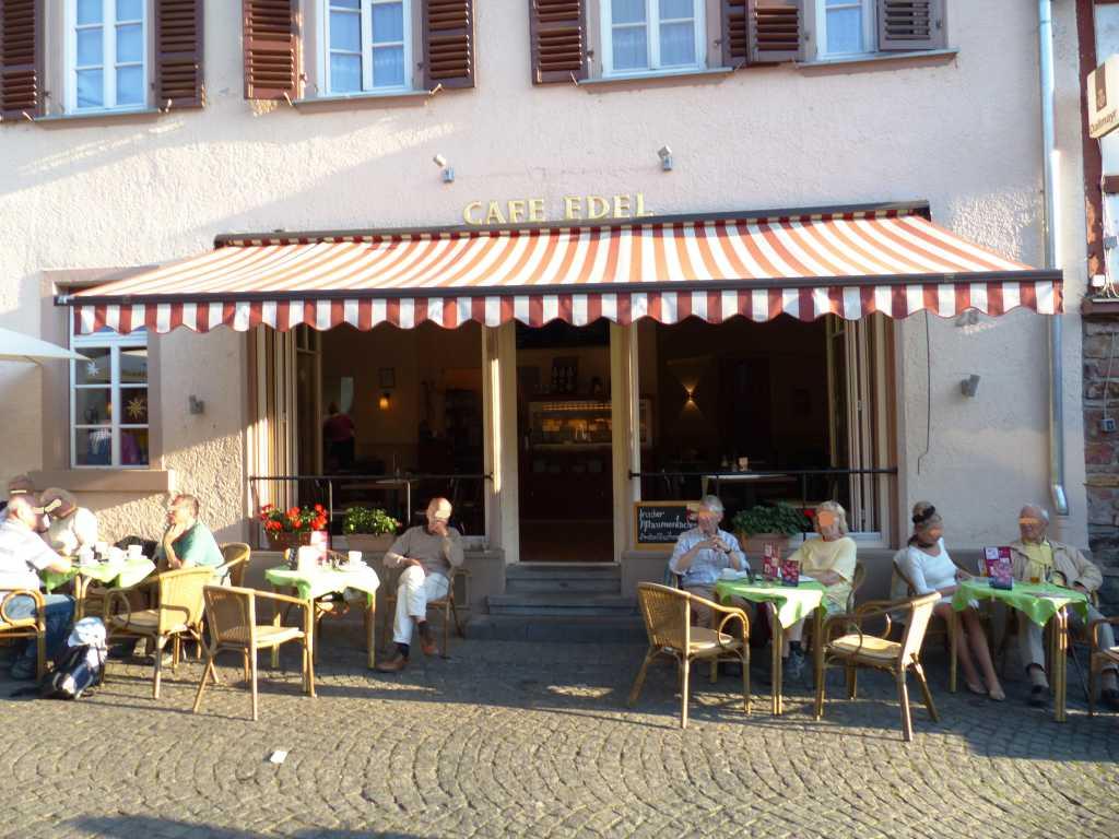 caf edel hotel lindenwirt cafe in 65385 r desheim am rhein altstadt. Black Bedroom Furniture Sets. Home Design Ideas