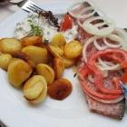 Foto zu Zur Guten Stube: Sülze mit Bratkartoffeln