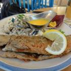 Foto zu Gaststätte Zum Fischerhof: Saibling mit Reis.