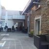 Eingang mit Außenterrasse