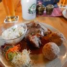 Foto zu Zirmbergalm: Original Schweinebraten mit Semmelknödeln, Kren & frischem Krautsalat