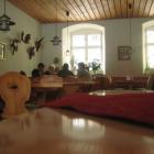 Foto zu Schloss Stüble: rustikaler Gastraum