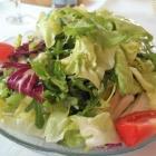 Foto zu Zur Wegelnburg: Bunter Salatteller