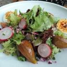 Foto zu Weinstube Jülg: Salat mit karamellisiertem Ziegenkäse