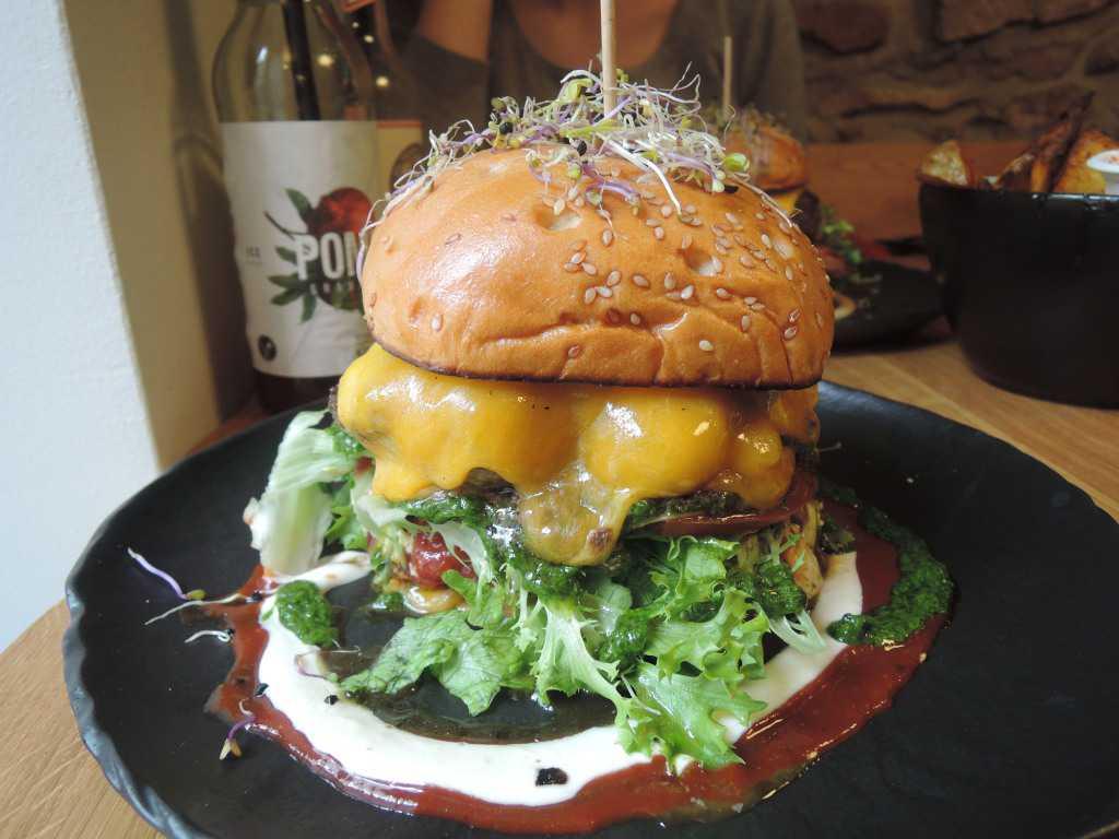brunos burger lieblingsgerichte restaurant in 67433 neustadt an der weinstra e. Black Bedroom Furniture Sets. Home Design Ideas