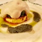 Foto zu Restaurant Weinhaus Uhle: Lewitzer Ziegenkäse: Crème geflämmt, Palmzucker,  Basilikumsamen, süße Tomate