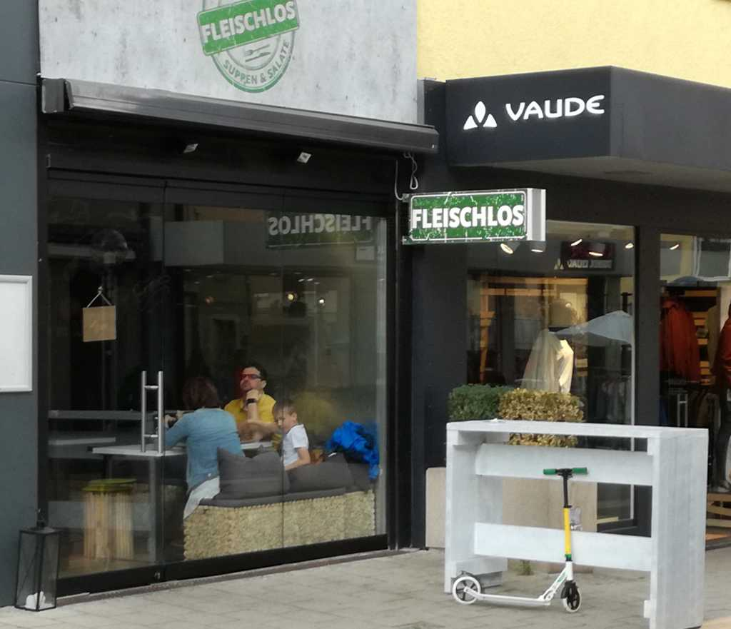 fleischlos veganes restaurant in 71634 ludwigsburg. Black Bedroom Furniture Sets. Home Design Ideas