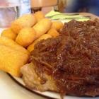 Foto zu Zur Krone: Steak vom Schweinenacken mit Zwiebeln