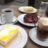 Pott Kaffee, Lumumba, Kirschroullade und Mandarinenschnitte