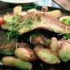 Dorschfilet mit verdecktem Gemüse und Rosmarinkartoffeln