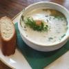 """""""Kapitänshaus-Suppe"""" mit Lauch, Kartoffeln, Dill, Sahne, Lachswürfeln und hausgebeiztem Lachs für 6,90 €"""