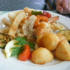 Foto zu La Paella: Fritierter Fisch, Calamares und Gambas
