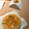 "Aperos #4: ""Chicken Piri-Piri"" (o.); ""Gambastortilla"" (u.)"