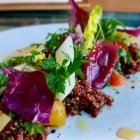 Foto zu Culinaria: Frühjahrsgemüse, Knuspererde, Lavendelhonig