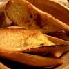 gegrilltes Brot mit Kräuterbutter
