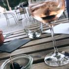 Foto zu Gordons: Rosé mit Oliven