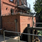Foto zu Cafe Woltersburger Mühle: 19.8.18 Terrasse über dem Mühlrad