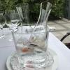 Die Weinkaraffen im Eiskühler