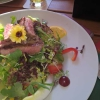 Salat mit Rinderfiletstreifen