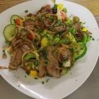 Foto zu Weinstube Mohr: Salat mit Roastbeef Streifen