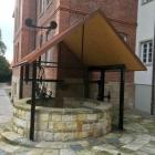 Foto zu Hotel Brunnenhaus Schloss Landau: Der Brunnen als Namengeber
