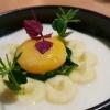 Flüssiges Bio-Eigelb, Kartoffelmousse, Butterschaum zum Niederknien, Frischer Spinat