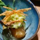 Foto zu High Kitchen: Gebackener Drilling mit Stippe, Gurkensalat, frittiertes Kartoffelstroh