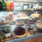 Foto zu Café Snooze: Kuchentheke