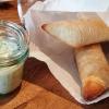 Küchengruß: Gurkendipp mit Ciabatta