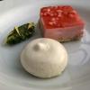 Gateau von Mascarpone, Dom Erdbeeren und Minz-Schokoladen-Pesto