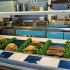 Foto zu Pier 7 Warnemünde: Selbstbedienungstheke