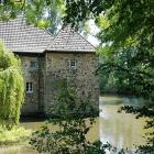 Foto zu Café Burgstube im Haus Graven: Wasserburg Haus Graven