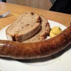 Foto zu Gaststätte Eckkopfturmhütte: Vielleicht die beste Bratwurst von ganz Deidesheim
