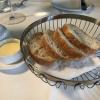 Starter vorab: frisches Brot und gesalzene Butter