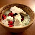 Foto zu Coeur D'Artichaut - Restaurant: Eukaylyptus Schaum   Himbeer-Paprika Sorbet   Himbeer Crunch   Algen-Baiser