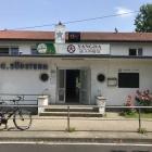Foto zu Yangda: Eingang (ist halt eine Sportvereinsgaststätte...)