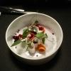 """Amuse Bouche: """"Herbstlicher Salat mit Kokosschaum""""."""