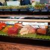 Blick zur Sushibereitung und offene Küche