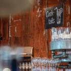 Foto zu Holly's | Restaurant & Café: Holly's | world food & lifestyle: genieße einen leckeren Cocktail auf unserer Sonnenterrasse.
