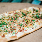 Foto zu Holly's | Restaurant & Café: Holly's | world food & lifestyle: köstliche Flammkuchen.