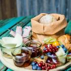 Foto zu Holly's | Restaurant & Café: Holly's | world food & lifestyle: starte mit einem reichhaltigen Frühstück in den Tag.
